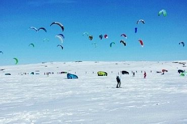 RED BULL RAGNAROK – THE MOST AMAZING SNOWKITE EVENT EVER?